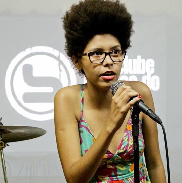 Yasmin Thayná, réalisatrice du documentaire Kbela